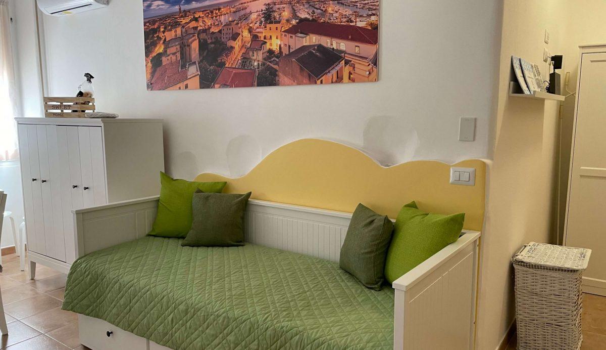 Living Room-IMG_9061
